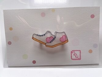 ☆スニーカー☆ ( 白 ) のブローチの画像