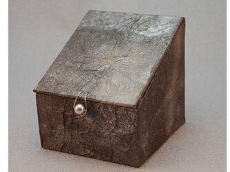 ふた、留め金付き小箱 (シルバー)の画像
