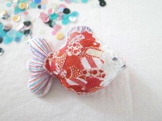 金魚のブローチ あかの画像