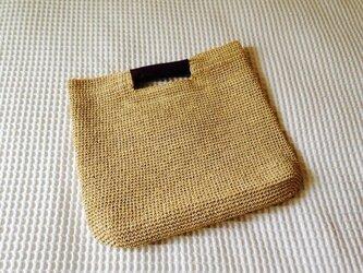 麦わら素材のスクエアバック(ヌガー)の画像