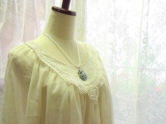 デザインシェルのネックレスの画像