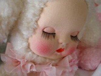 50sお眠りベビーラムプードルちゃん人形*の画像