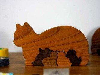 癒し系ケヤキの猫パズル横顔タイプの画像