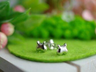 momoziri cat pierced earrings 1の画像