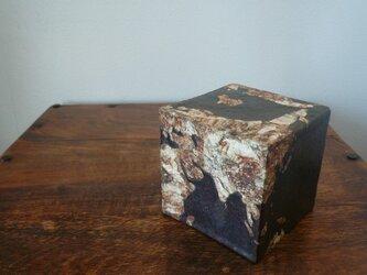 伊豆土の地球儀(cube)の画像