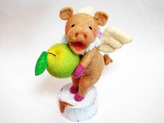 受注制作 リンゴを持ったテジーの画像