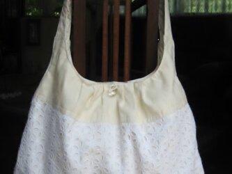 綿レースのショルダー型バッグの画像