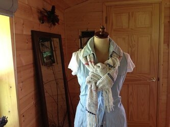 織のコットン 羽のついたストールの画像