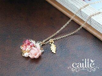 ピンクローズのネックレスの画像