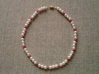65パールネックレス(木製ビーズ・ピンク)の画像