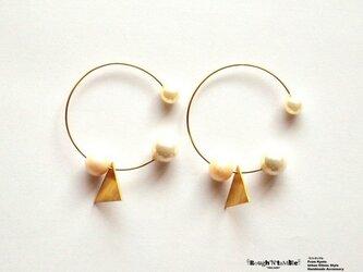 Triangle&3ball pierce whiteの画像