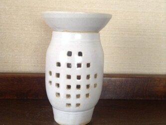 茶香炉ー白釉幾何紋の画像