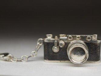 antique camera pendantの画像