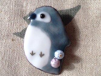 受注製作 七宝 ペンギンヒナ 鳥ブローチの画像