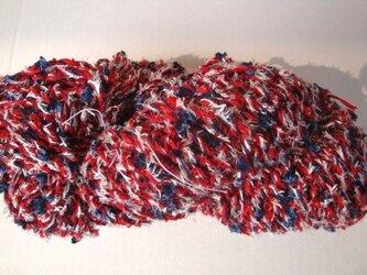 トリコロールな糸の画像