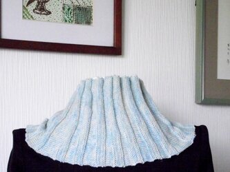 小さなニットスカーフの画像