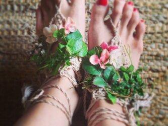 barefoot sandal(botanical)の画像