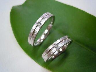 結婚指輪☆プラチナ製 打ち出し(鎚目・鍛造)ツヤ消し・ダイヤの画像