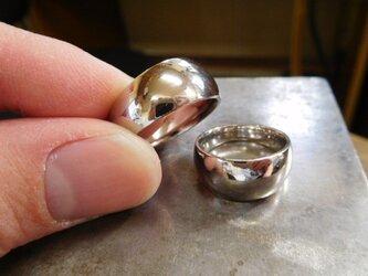 結婚指輪☆プラチナ製 幅広・極太・月形甲丸(鏡面上げ)の画像
