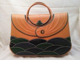 婦人用二本手バッグ「青海波 海を越えて」の画像