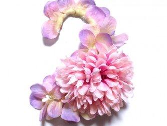 紫陽花とマムのイヤーフックA  (ピンクパープル)左耳用の画像