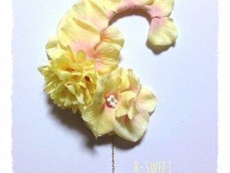 紫陽花とマムのイヤーフックB (イエロー)右耳用の画像