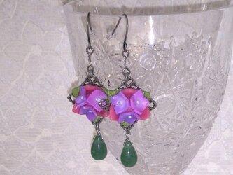 紫陽花のピアス(イヤリング交換可)の画像