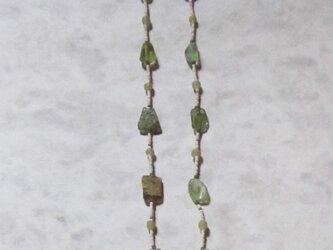 ローマンガラスとジャワビーズのネックレスの画像