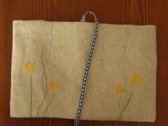 手刺繍・ブックカバー(小花)の画像