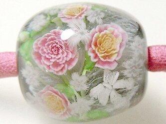 とんぼ玉古布ひもネックレス ピンクのバラの花束(グレー)の画像