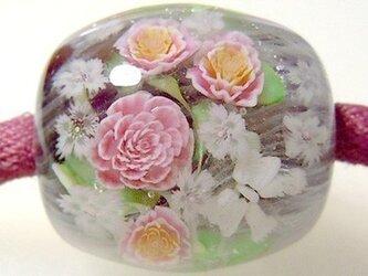とんぼ玉古布ひもネックレス ピンクのバラの花束(赤紫)の画像