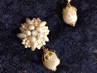 Jasmine earringの画像
