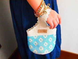 ビーズ編みバッグ-北欧風水玉きんちゃくの画像