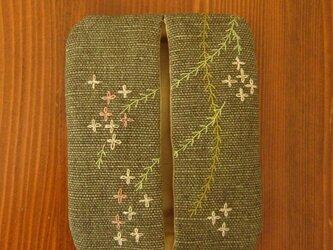 手刺繍・ぽけっとティッシュケース(花柳)の画像