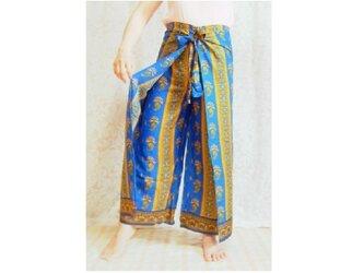 バリ伝統の更紗ラップパンツ 青の画像