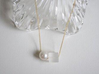 ◆角氷 ネックレス 水晶とコットンパールの画像