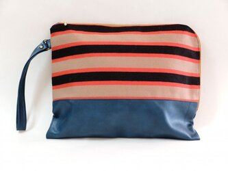 border clutch Bagの画像