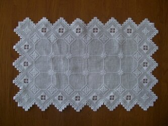 ハーダンガー刺繍・テーブルセンターの画像