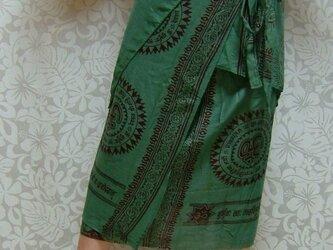 インド布の巻きスカート 緑の画像