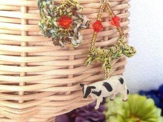★SALE★動物とお花の耳飾りシリーズ(うしうしもーもー)の画像