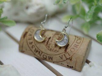 crescent moon pierced earringsの画像