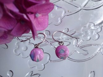 七宝焼ピアス  ダイクロガラス  ピンクの画像