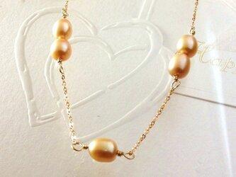 ゴールドパールのネックレスの画像