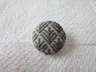 [ 受注製作 ] こぎん刺しブローチ 松笠(まつぼっくり) 樺茶の画像