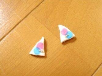 三角形B×Pピアスの画像