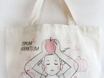 手刺繍 コットンバッグ(林檎)の画像
