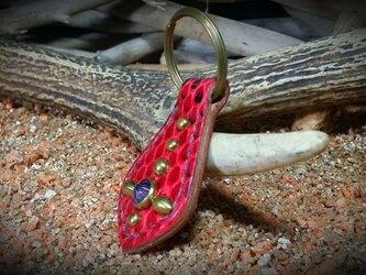 蛇柄スタッズキーホルダーの画像