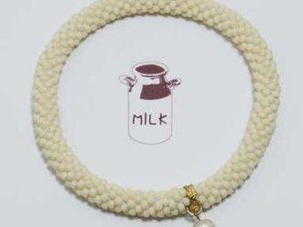 クロッシェブレスレット〜ミルク〜の画像