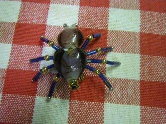 ビーズ細工 蜘蛛(クモ)のブローチの画像