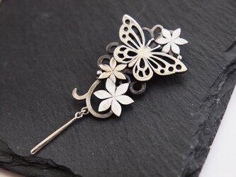 【受注製作】蝶とお花のペンダントトップの画像